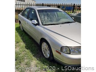 2002 VOLVO S80 - KEY / STARTS & RUNS