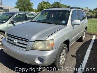 2004 TOYOTA HIGHLANDER 4WD SUV - KEY / STARTED