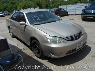 2006 TOYOTA CAMRY LE - KEY / STARTED